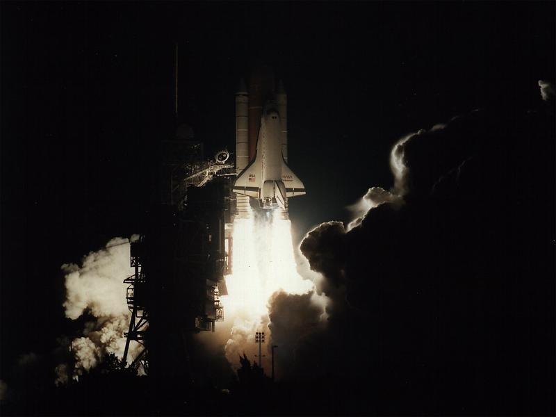 Shuttle Endeavour Night Liftoff wallpaper