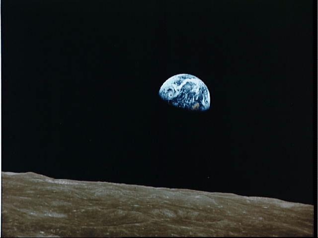 Earthrise from Apollo 8 wallpaper