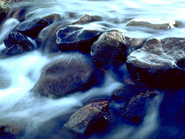 Stream Rocks wallpaper