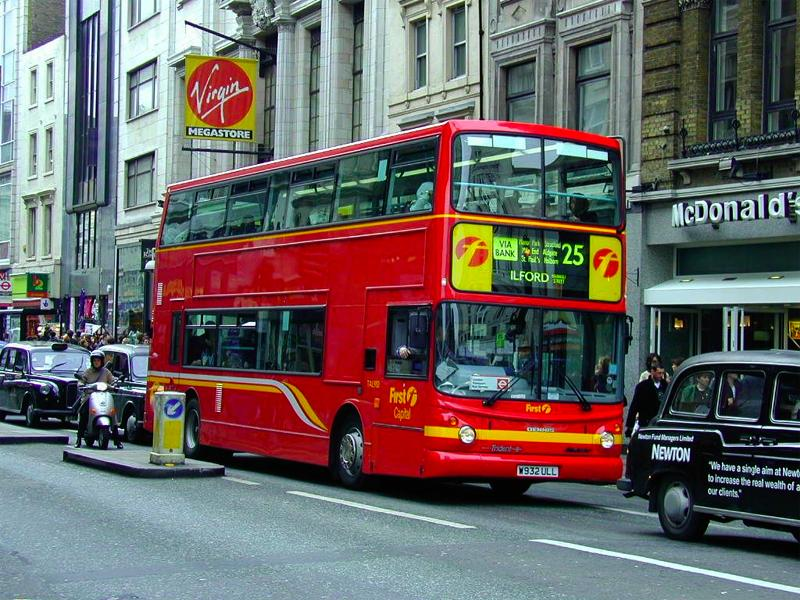 London Double Decker Bus 2 wallpaper