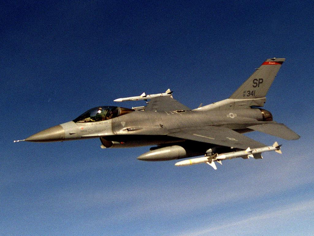 f16cj fighting falcon wallpaper and backgrounds 1024 x